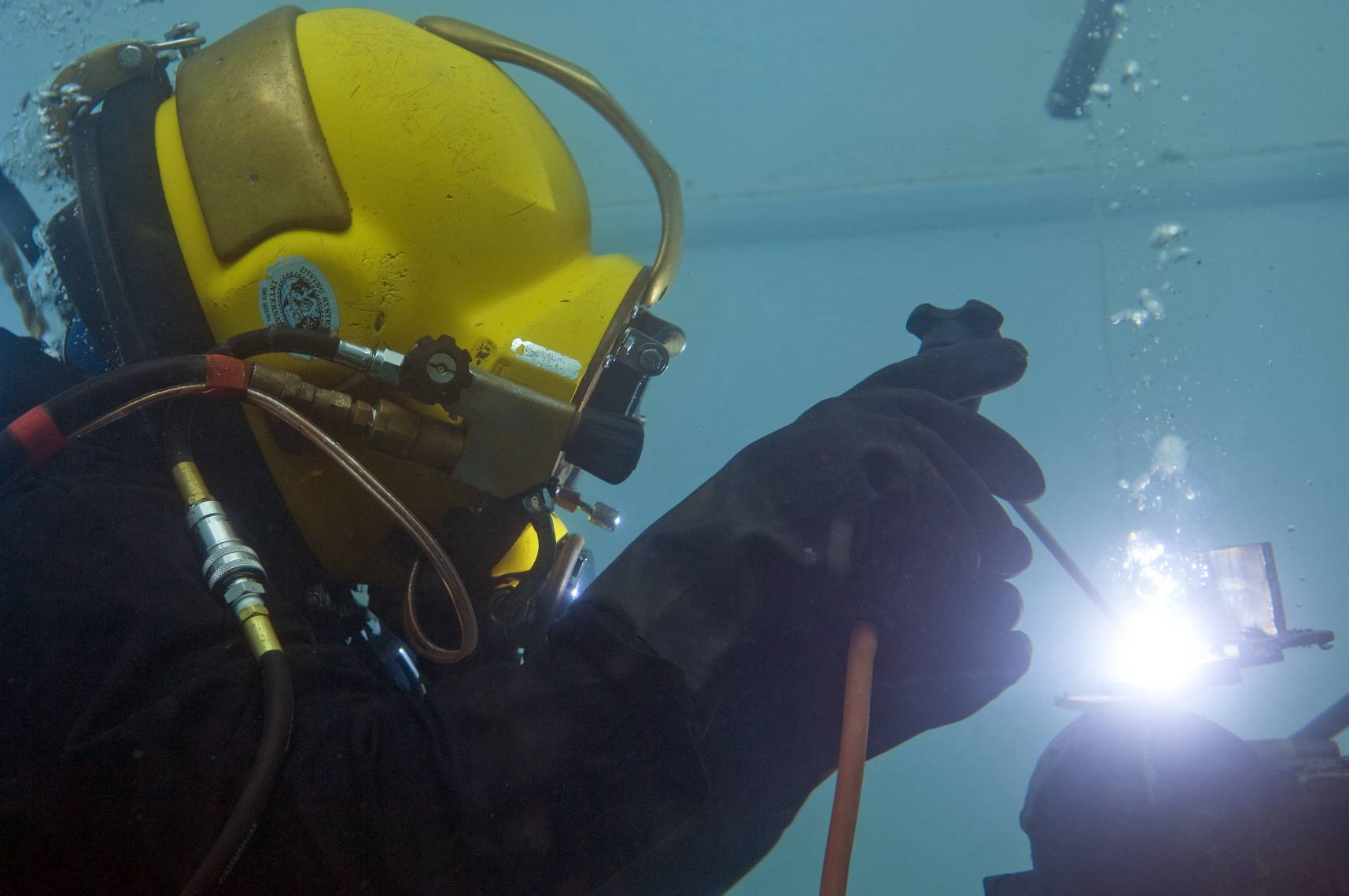 Student in dive tank at CDA Technical Institute