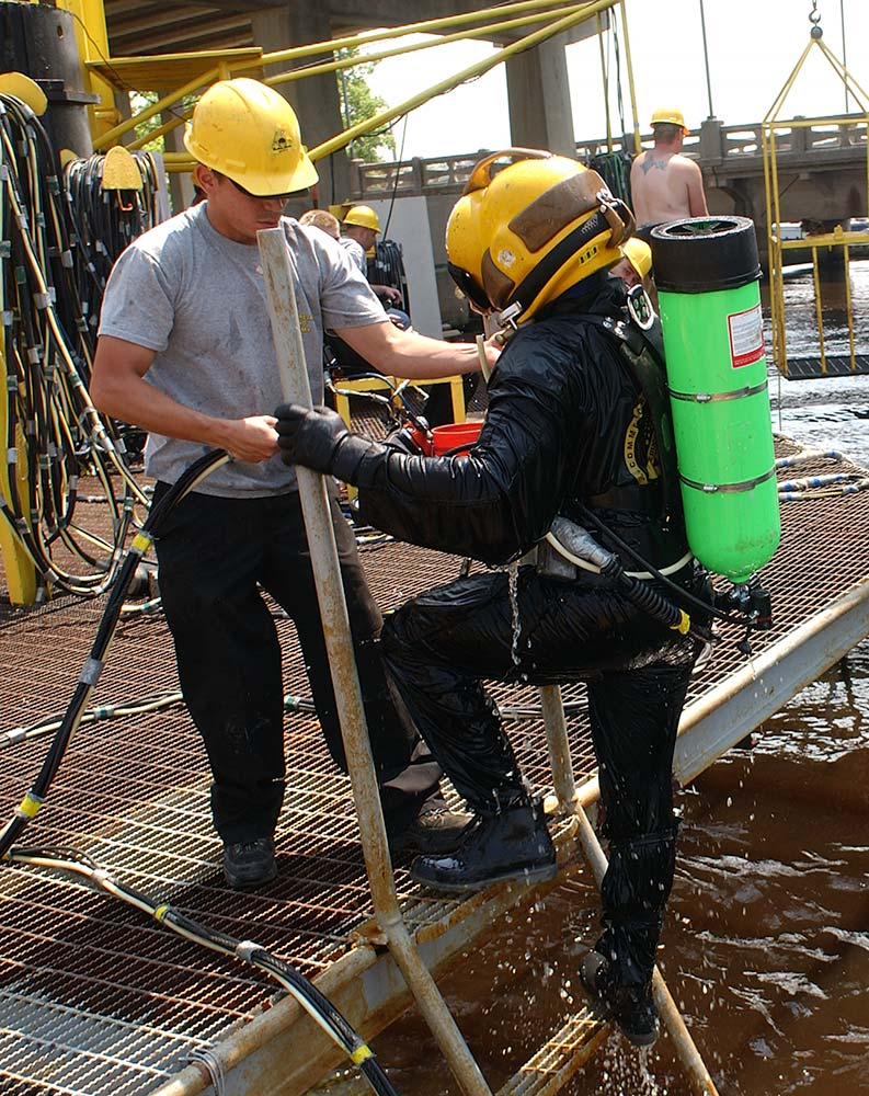 Diving in the St. Johns River at CDA Technical Institute